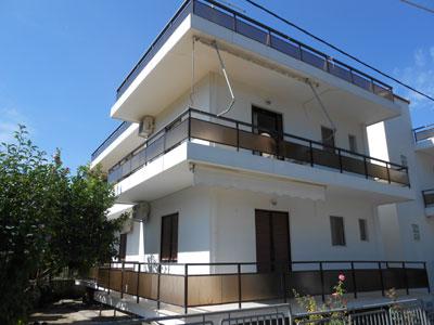 Pefki, Ioannis