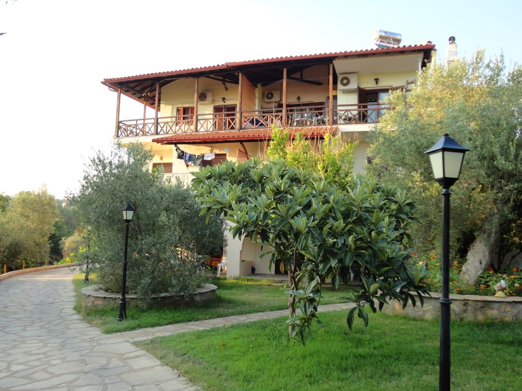 Makis house