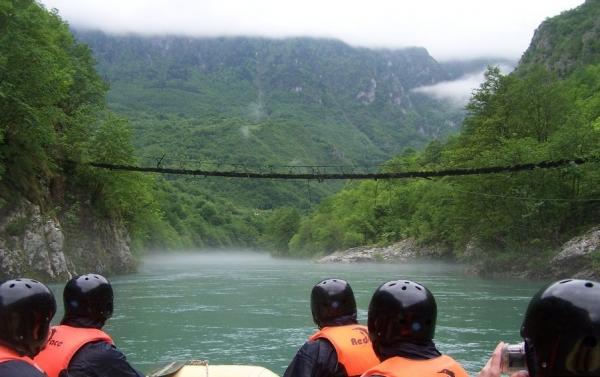 rafting tarom sa posetom visegradu